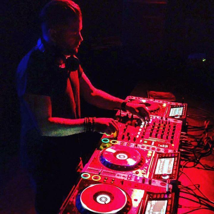 DJ Tom Barkley Tour Dates