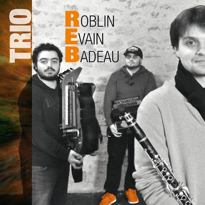 Trio Roblin/Evain/Badeau @ bal/stage - Parthenay, France