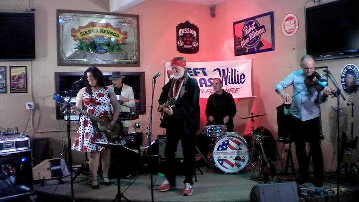 LeftCoast Willie & Friends @ Castle Creek CC's Gopher Hole Ba & Grill - Escondido, CA