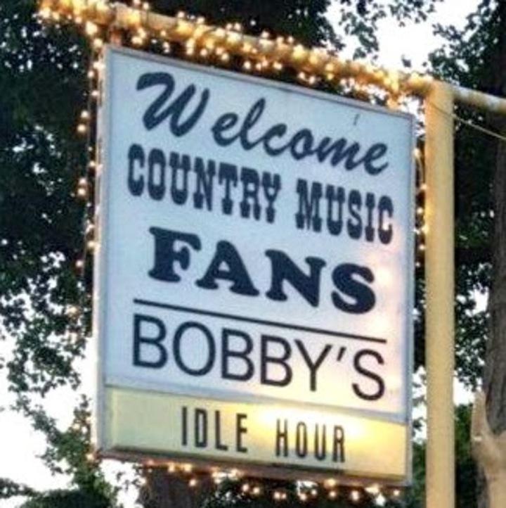 Tyler Brent @ Bobby's Idle Hour Tavern - Nashville, TN