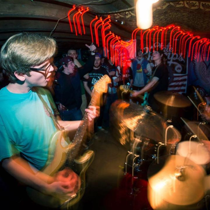 long shot @ Donatos Basement - Columbus, OH