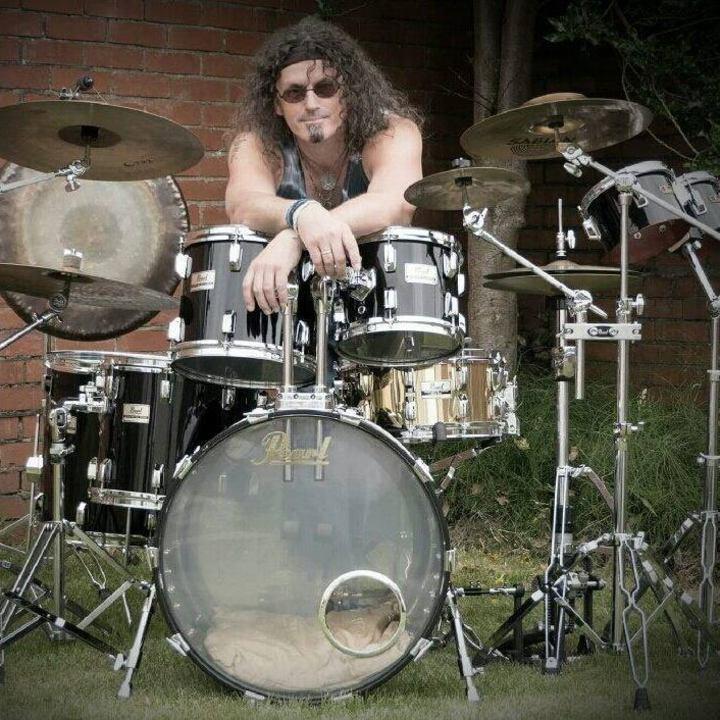Steve Roberts : Drummer Tour Dates