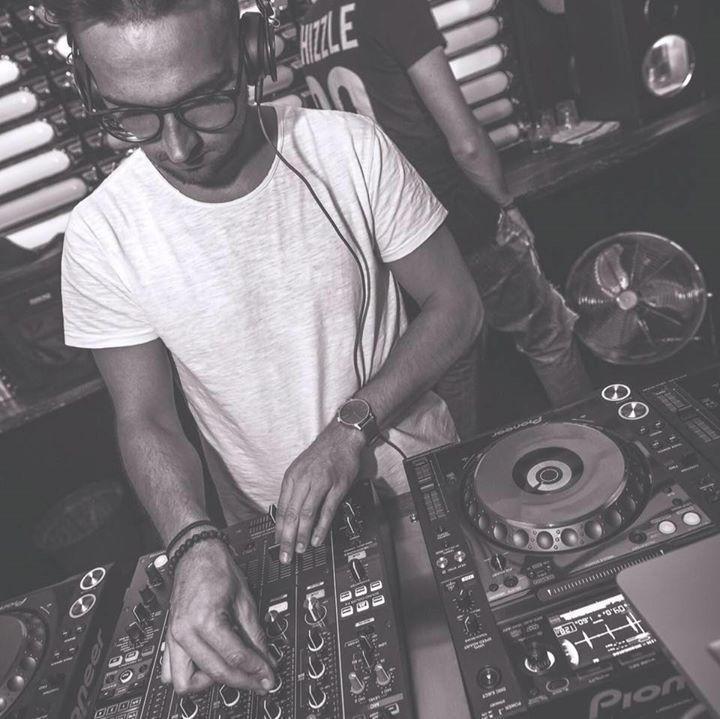 DJ MARK SYNO Tour Dates