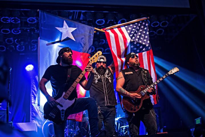 Whiskey D. Fan Page @ AT&T Stadium - Arlington, TX
