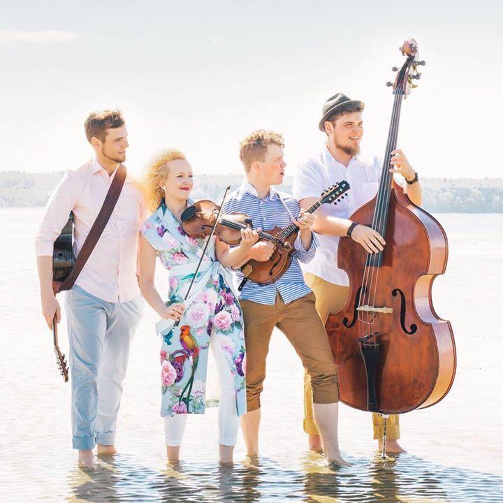 Curly Strings @ Treski Küün - Treski, Estonia