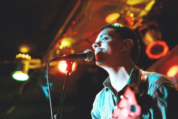 R. Andrés Tour Dates