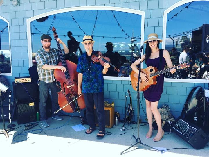 Lisa Marie Johnston @ Sam's Chowder House - Half Moon Bay, CA
