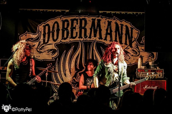 Dobermann @ The Big Red - London, United Kingdom