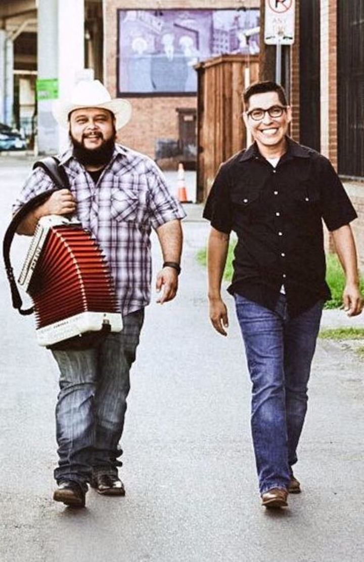 SqueezeBox Bandits @ Hard Eight BBQ (Duo) - Coppell, TX