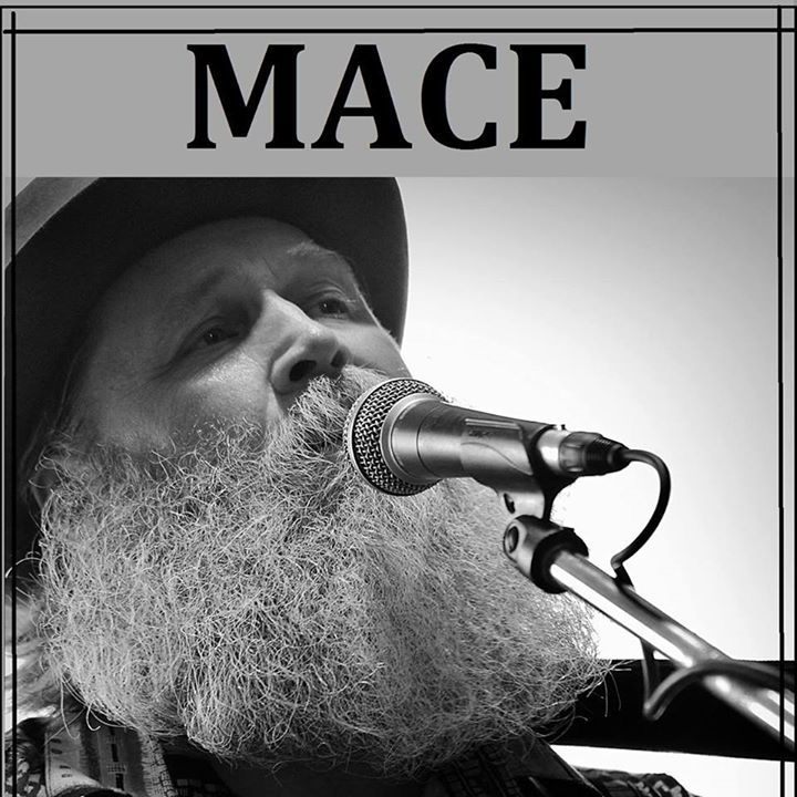 Mace Hathaway @ Donnies Homespun Pizza - Decatur, IL