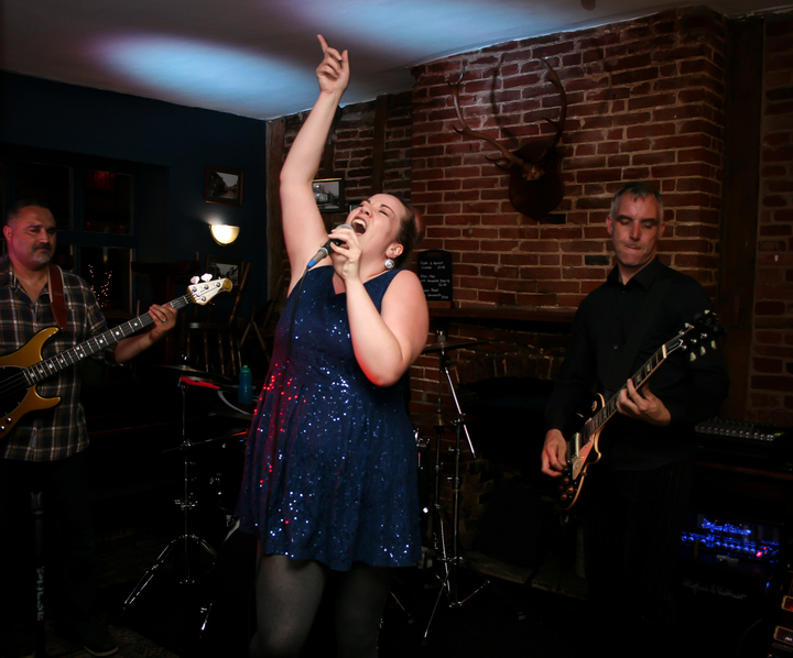 Freeload Party Band @ Kings Head - Cromer, United Kingdom