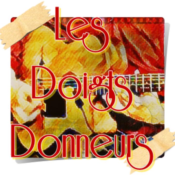 Les Doigts Donneurs Tour Dates