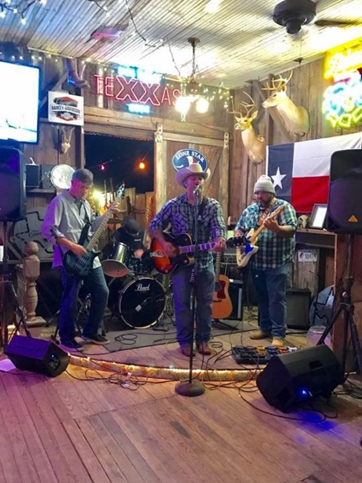 The Jason Custer Band @ Twisted Oak Grille  - Lampasas, TX