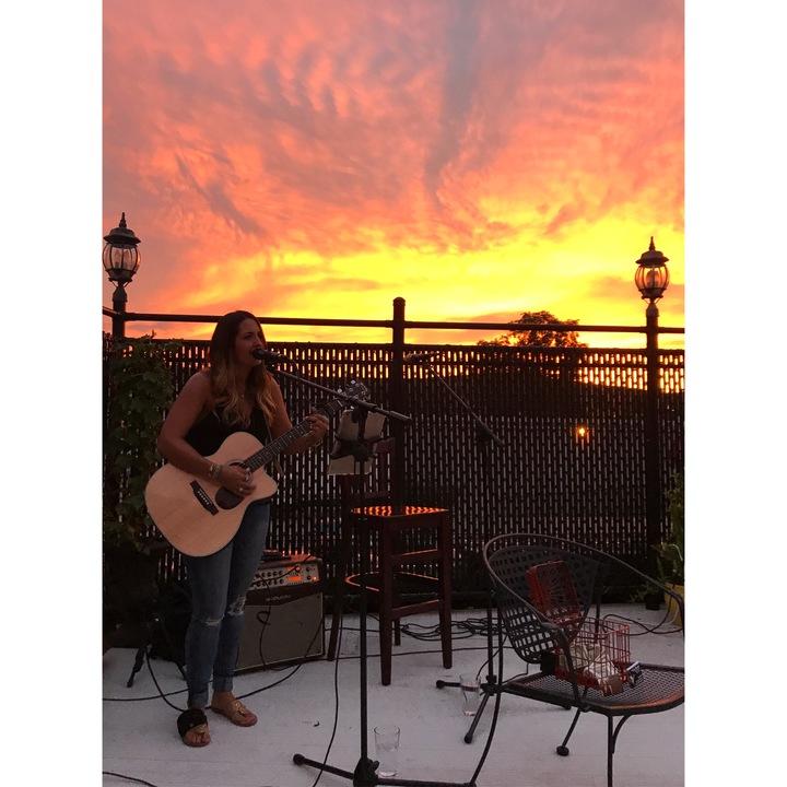Emma Lee (US) @ Hickory Tavern - Winston-Salem, NC