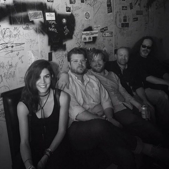 Izabel Crane @ Lindberg's Tavern - Springfield, MO