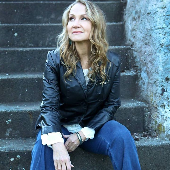 Joan Osborne @ Strand Capitol Theatre (Joan Osborne Sings the Songs of Bob Dylan) - York, PA