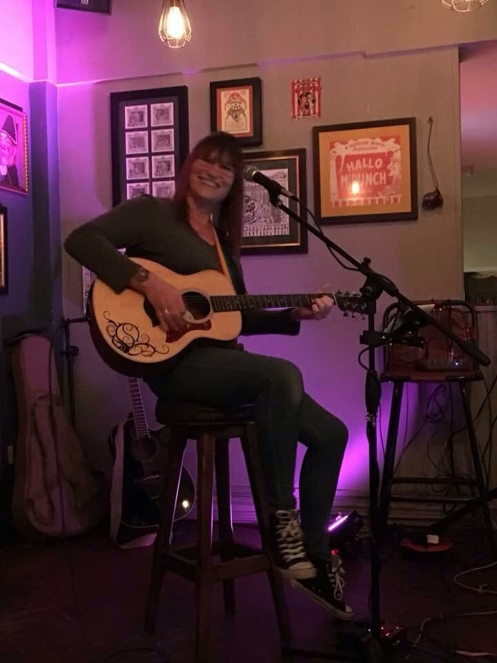 Becky Phillips @ The Crown Hotel - St. Albans, United Kingdom