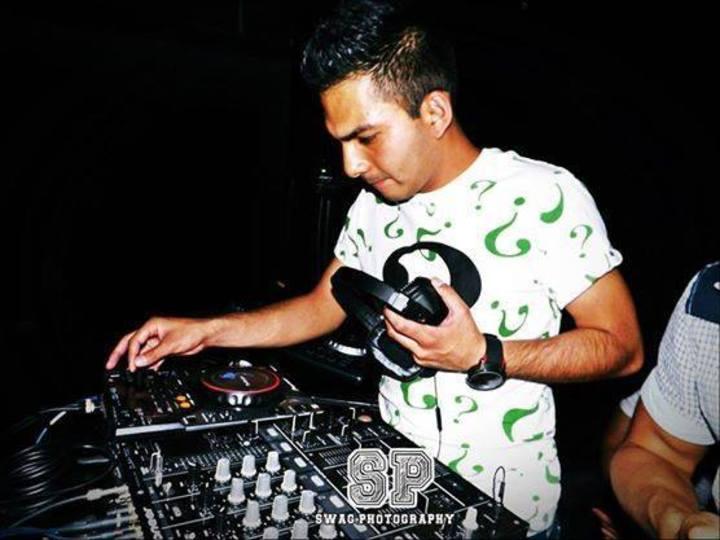 Tronic Sánchez DJ oficial Fan Page Tour Dates