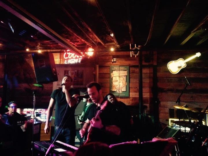 The Juice Box Heroes @ Wicks - Louisville, KY
