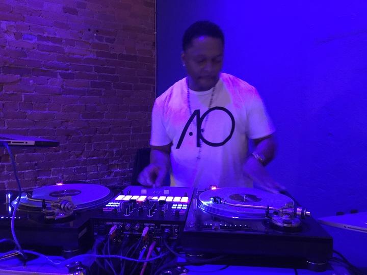 Dj-I.c.Dre' @ EXCHANGE @51MAIN - Champaign, IL