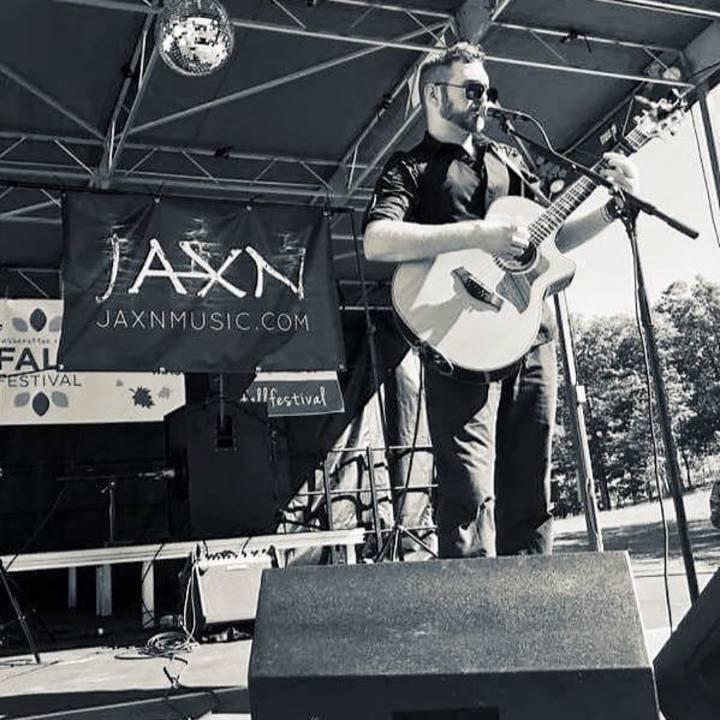 Jaxn @ Brix and Columns Vineyards - Mcgaheysville, VA