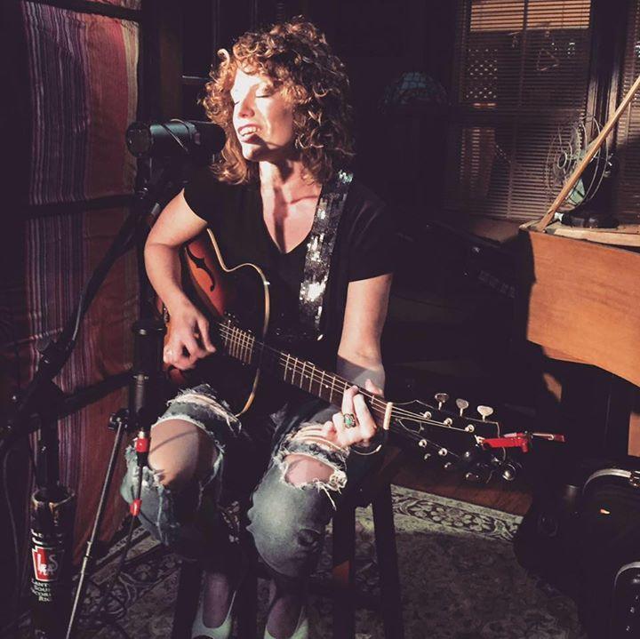 Julia King @ Lieb Cellars - Cutchogue, NY