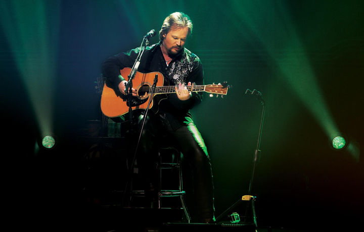 Travis Tritt @ Middle Tennessee District Fair - Lawrenceburg, TN