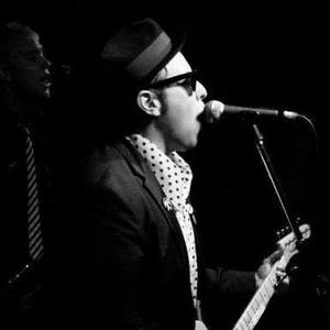 Johnny Madcap and The Distractions Troubadour