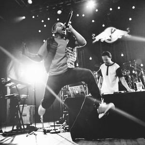 Azizi Gibson Tour Houston