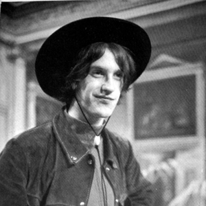 Dave Davies Rams Head On Stage