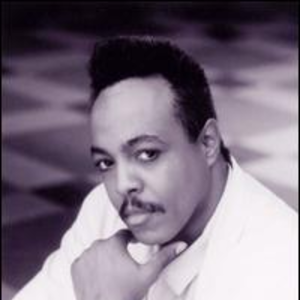 Peabo Bryson West Bend
