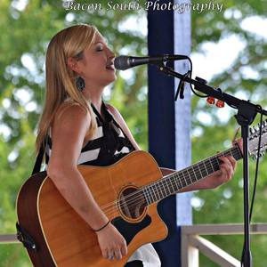 Lizz Faith Music Frogtown South Winery