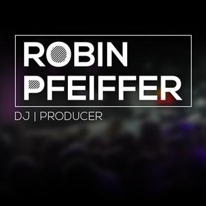 Robin Pfeiffer Club 27