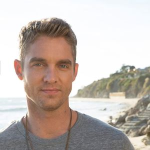 Brett Young Coyote Joe's