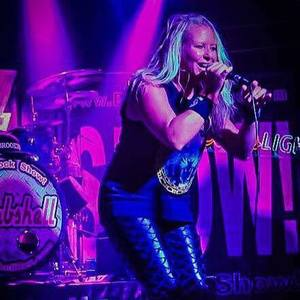 Bombshell -The Rock Show Elnora