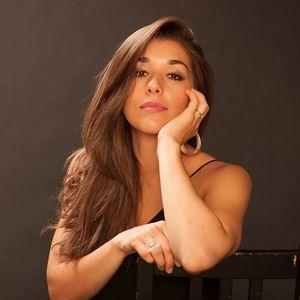 Thana Alexa Jazz Standard