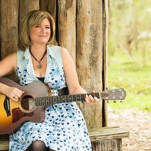 Melissa Robertson -  singer/songwriter Red Cliffs Club