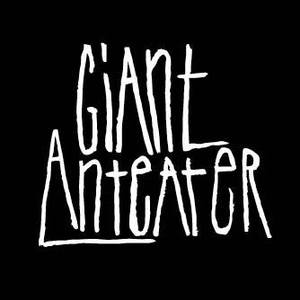Giant Anteater Backstage Halle
