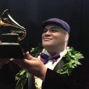 Kalani Pe'a Music Historic Kailua Village