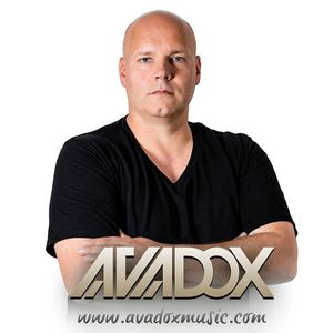 AVADOX Hollywood Pattaya