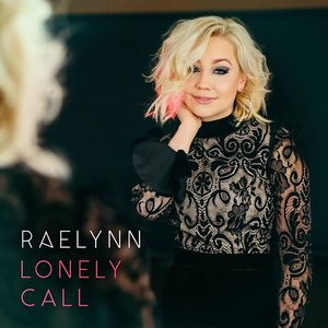 RaeLynn Short Pump Towne Center