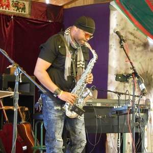Ronjaemusic & High Altotude saxophone soloist Hop Yard 62 Presents Ronjae