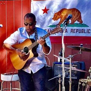 Garrick Davis World Blues Westfield Valley Mall - Dining Terrace - Solo