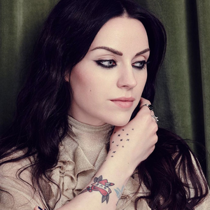 Amy Macdonald Baths Hall