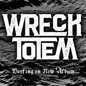 Wreck Totem Llodio