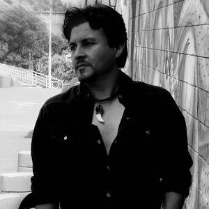 Gustavo Niño GUSTAVO NIÑO «ACÚSTICO», Covers y canciones propias - Domus Teatro