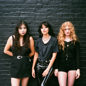 L.A. WITCH Le Batofar