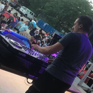 Deejay Mixx Lake Villa