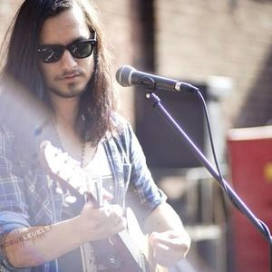 Jiji LaVolpe Derby Folk Festival