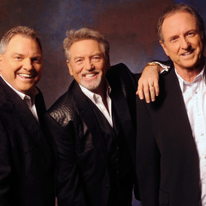 Larry Gatlin & The Gatlin Brothers Band West Bend